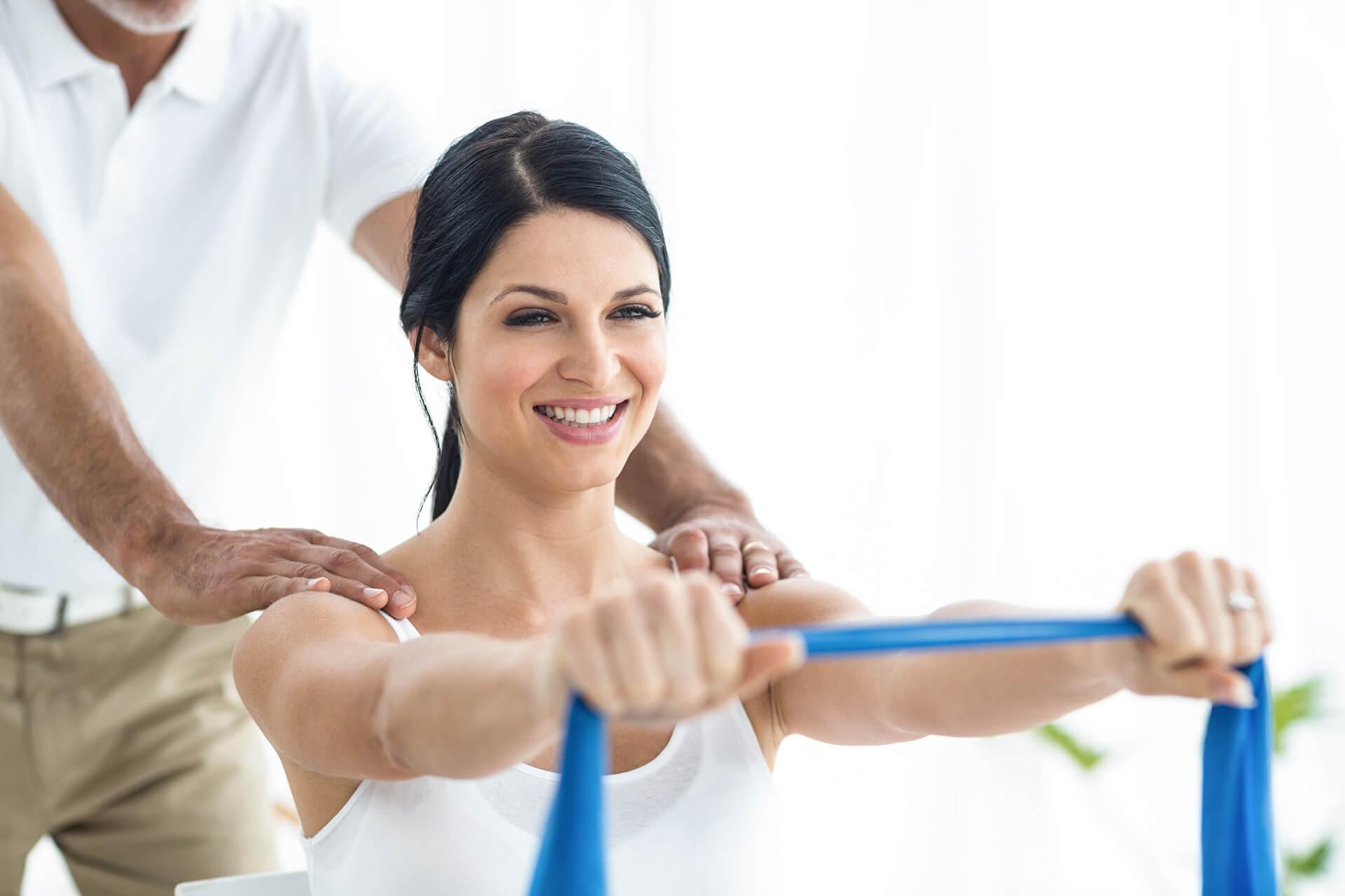 Cómo influye el encorvamiento en el dolor de hombro